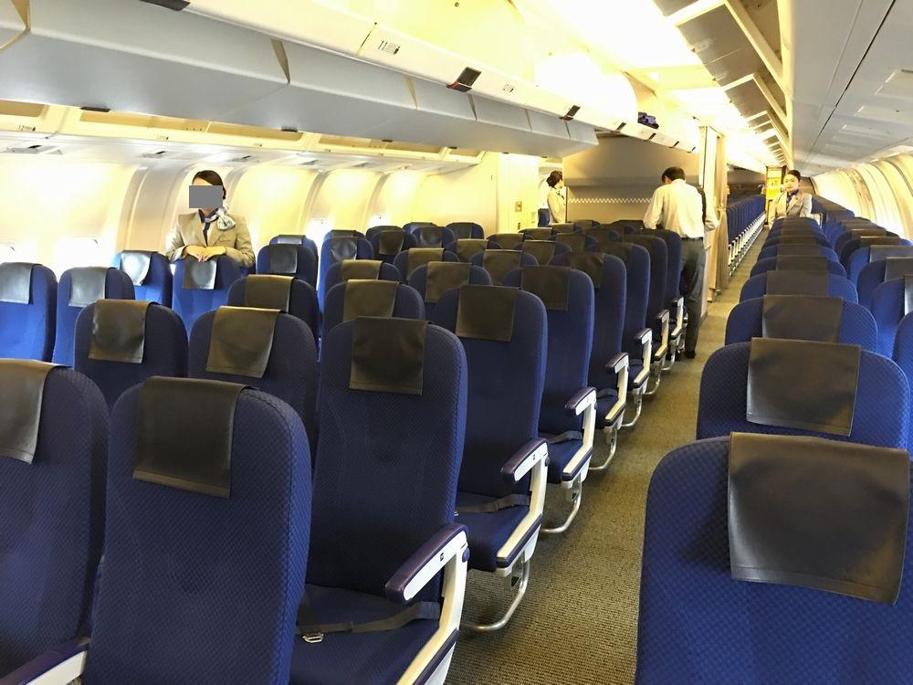 ANA563便の普通席