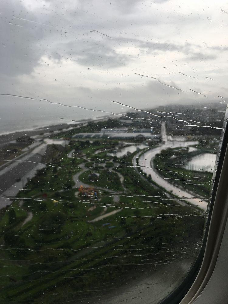 雨の高知空港