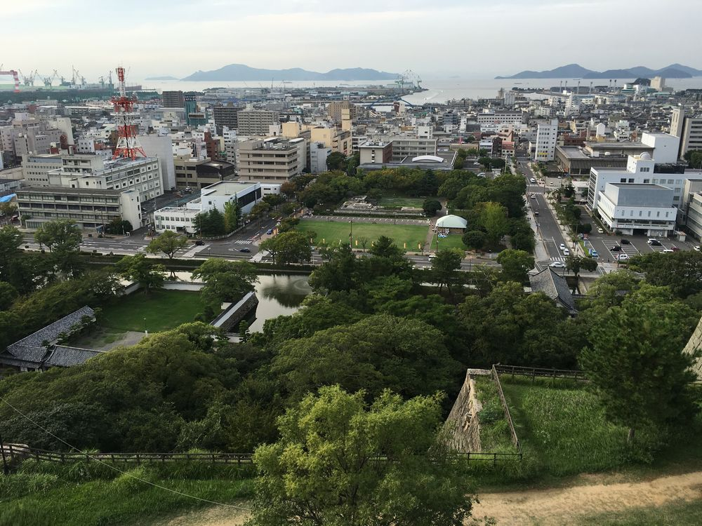 丸亀城の本丸から日本海方面1