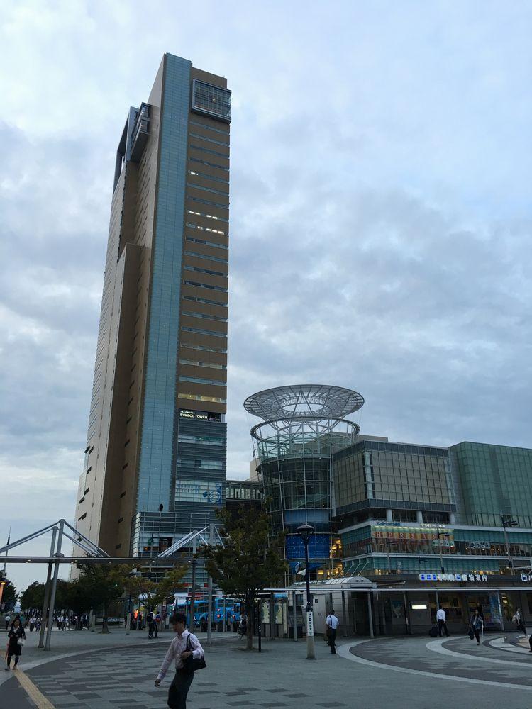 高松駅前の風景