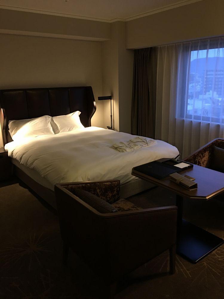 ロイヤルパークホテル高松のスペリオアダブルルームのベッド