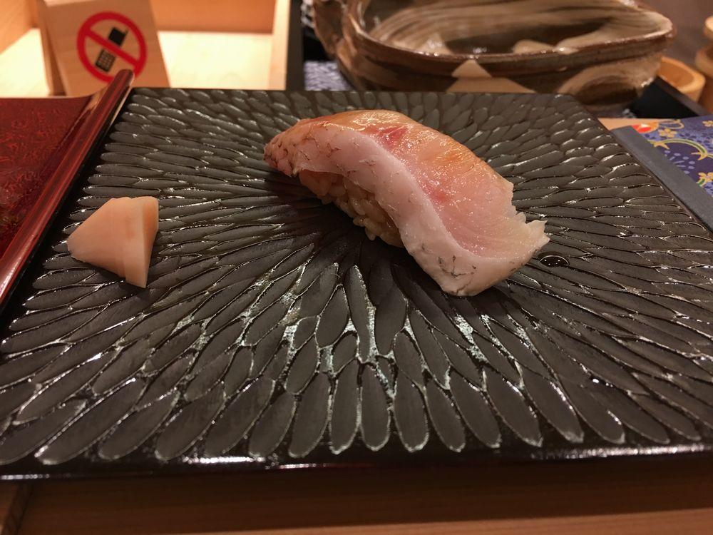 鮨舳のノドグロ
