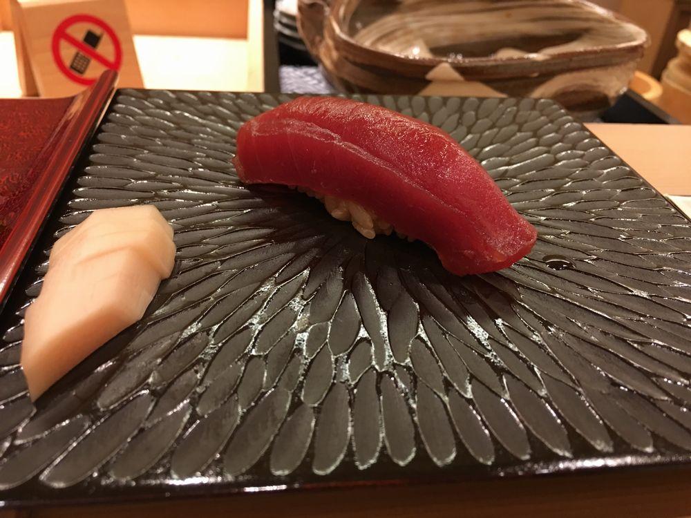 鮨舳の赤身