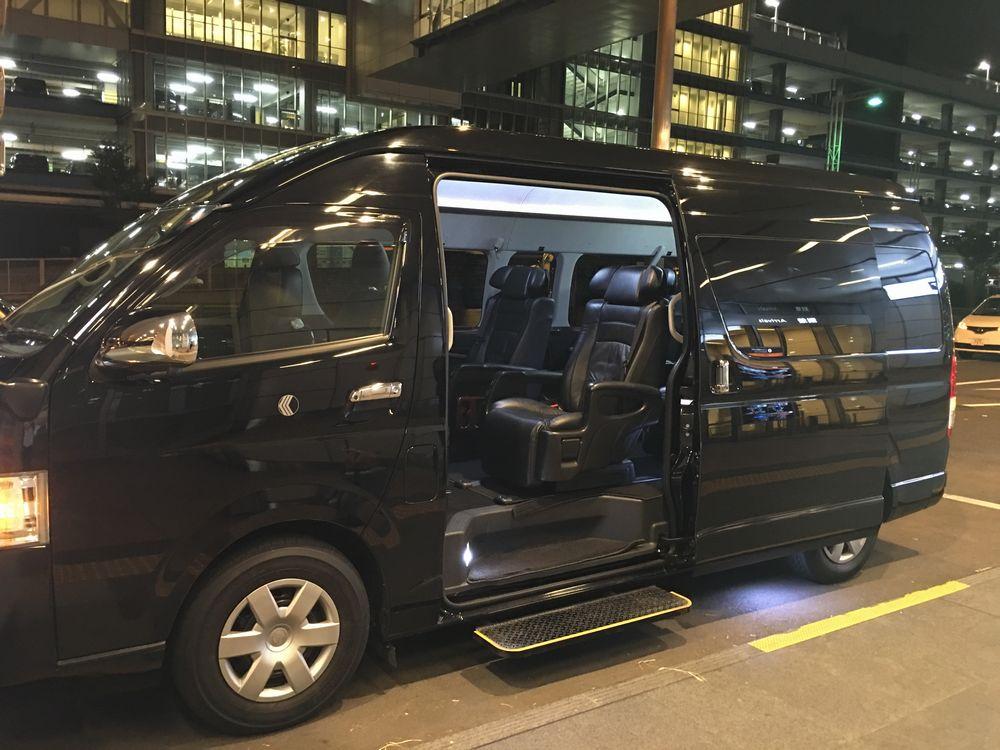 Uberのトヨタハイエースグランドキャビン