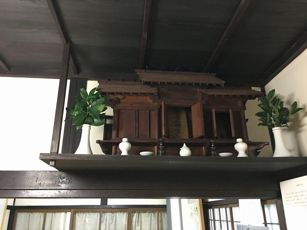小泉八雲家の神棚