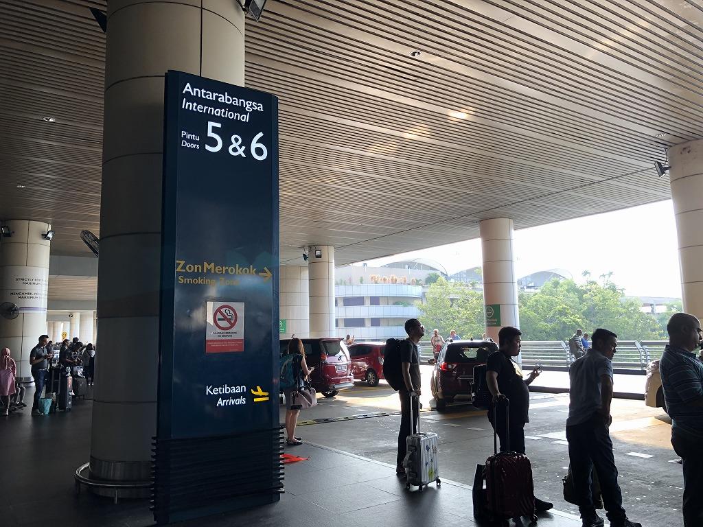 クアラルンプール国際空港のタクシー乗り場