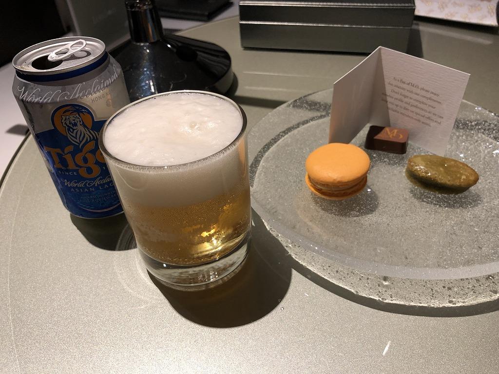 マンダリン オリエンタル クアラルンプールの部屋でタイガービール