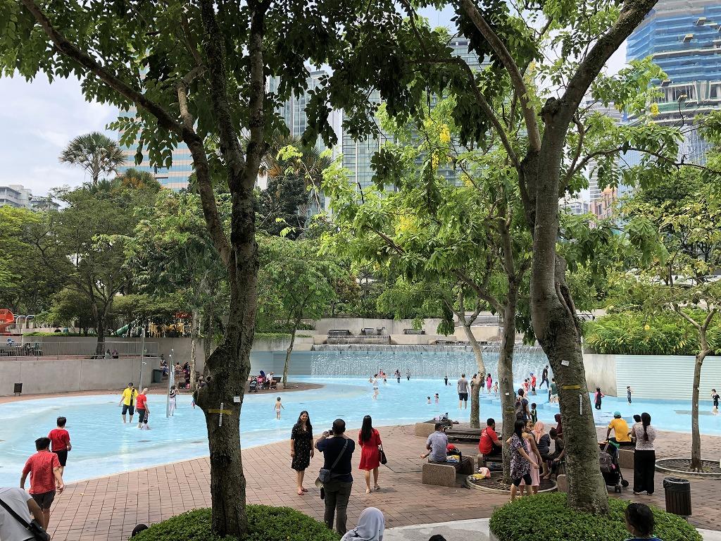 KLCC公園の子供用のプール2