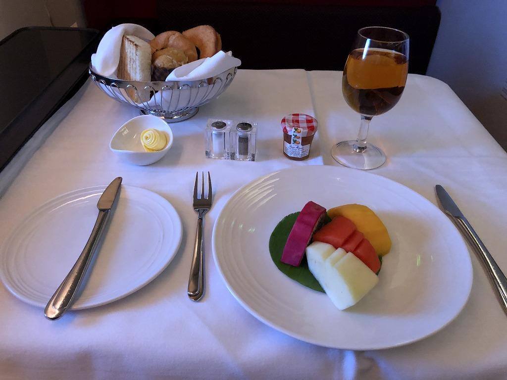 マレーシア航空MH88ビジネススイートの朝食