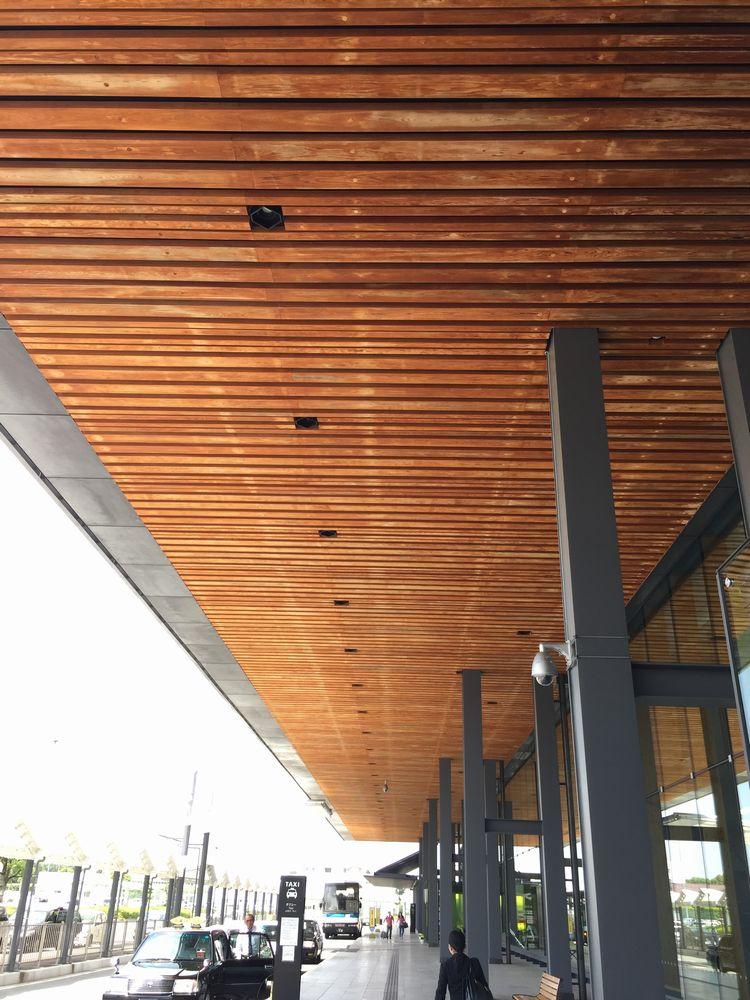 熊本空港の木製屋根画像