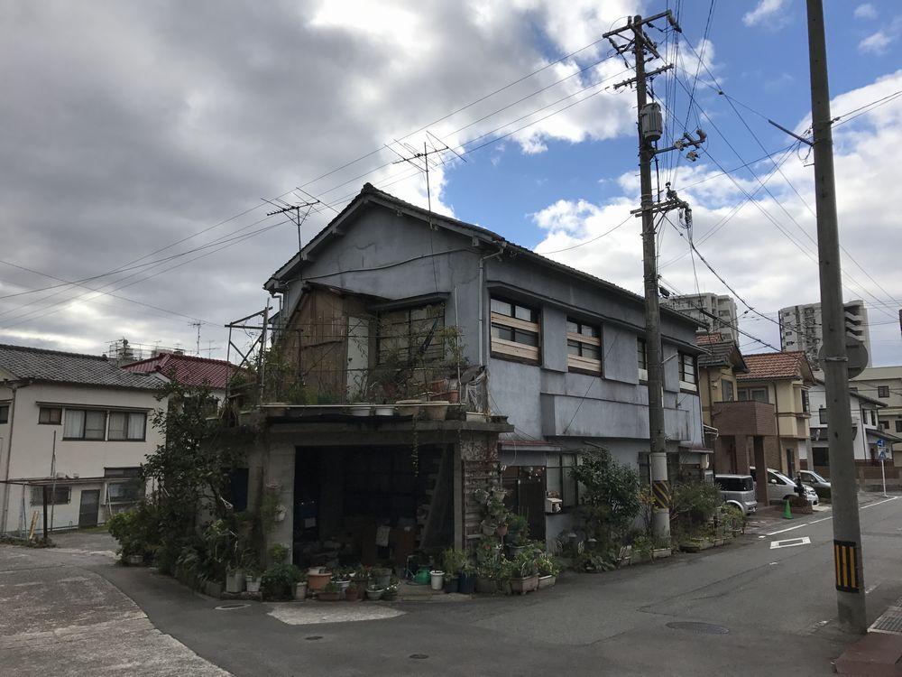 呉の三ツ蔵前の路地