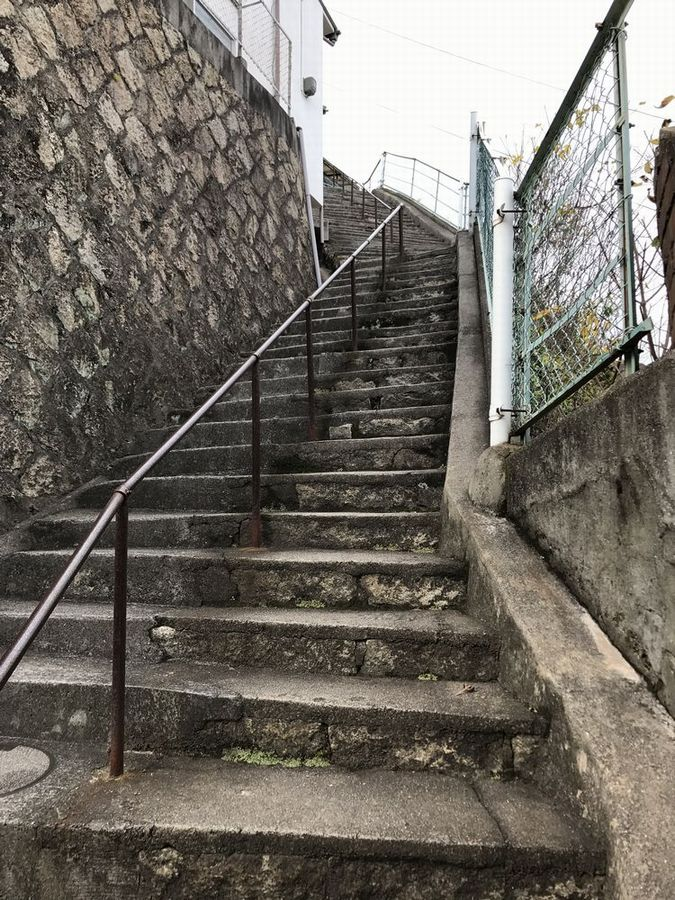 両城の200階段1