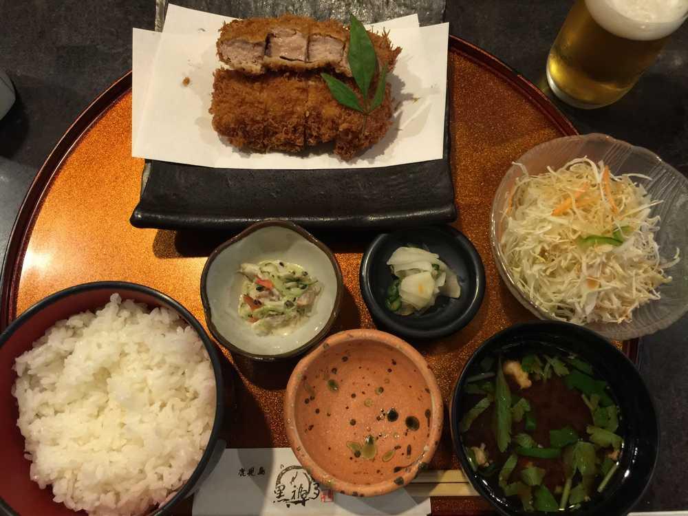 鹿児島の黒福多の特上ヒレカツ定食画像