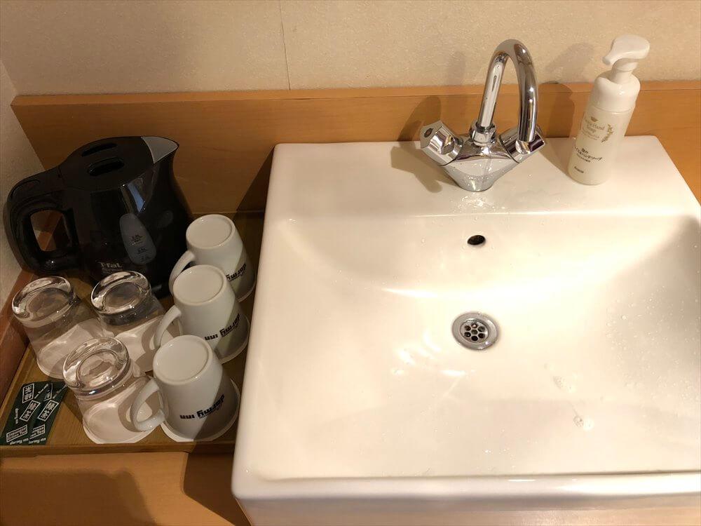 ラビスタ釧路川の和室ツインルームの洗面所1