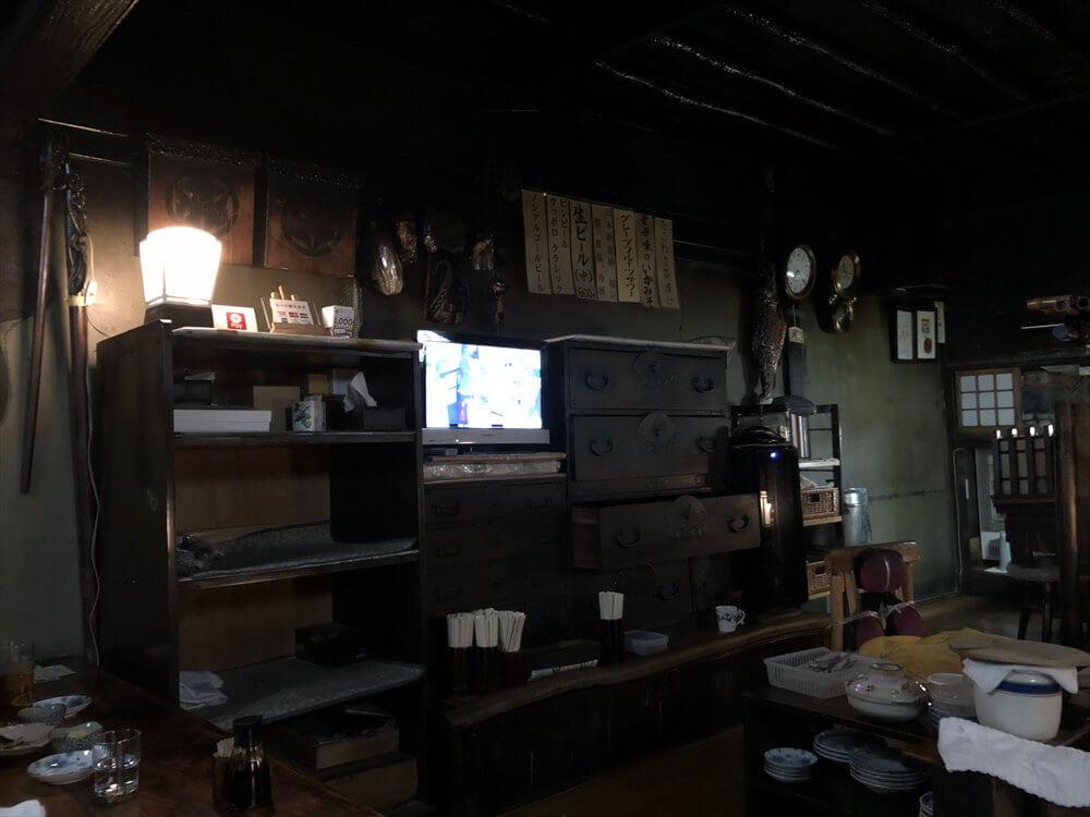 釧路の「炉ばた」の箪笥