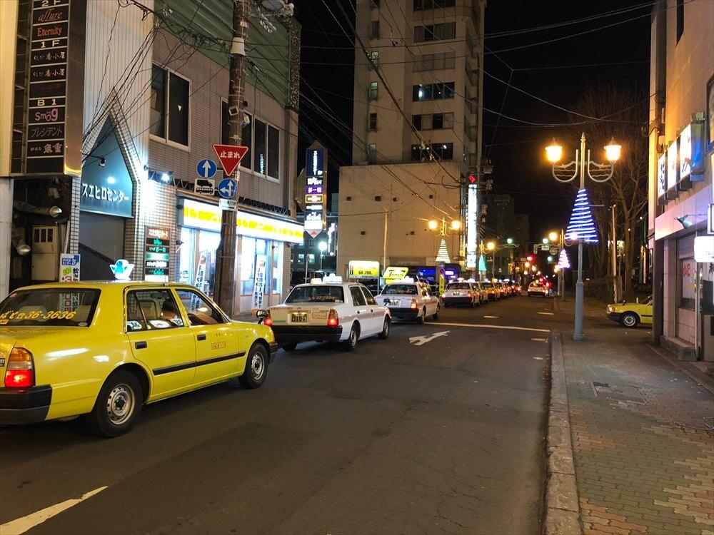 釧路の繁華街のタクシー