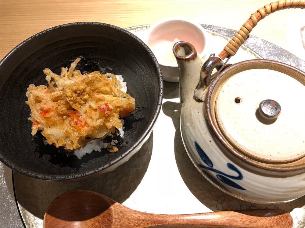 釧路の天ぷら「彩」の海老とタラバガニの茶漬け