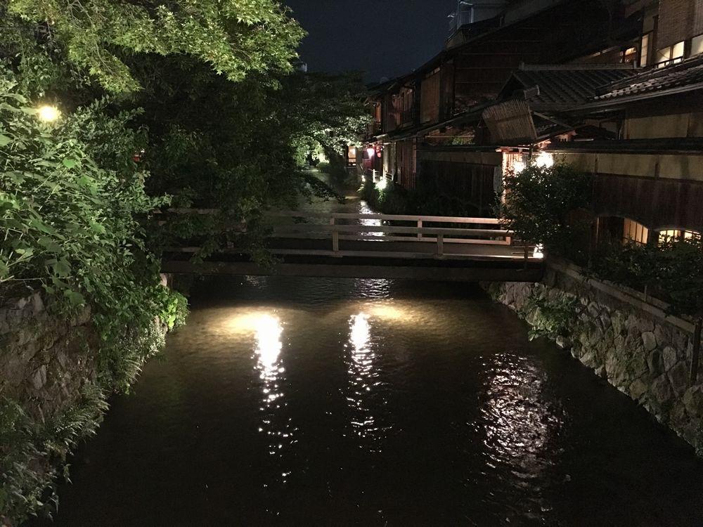 夜の祇園白川1