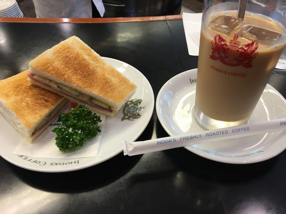 イノダコーヒ三条通りのチーズハムサンドとアイスカフェオレ