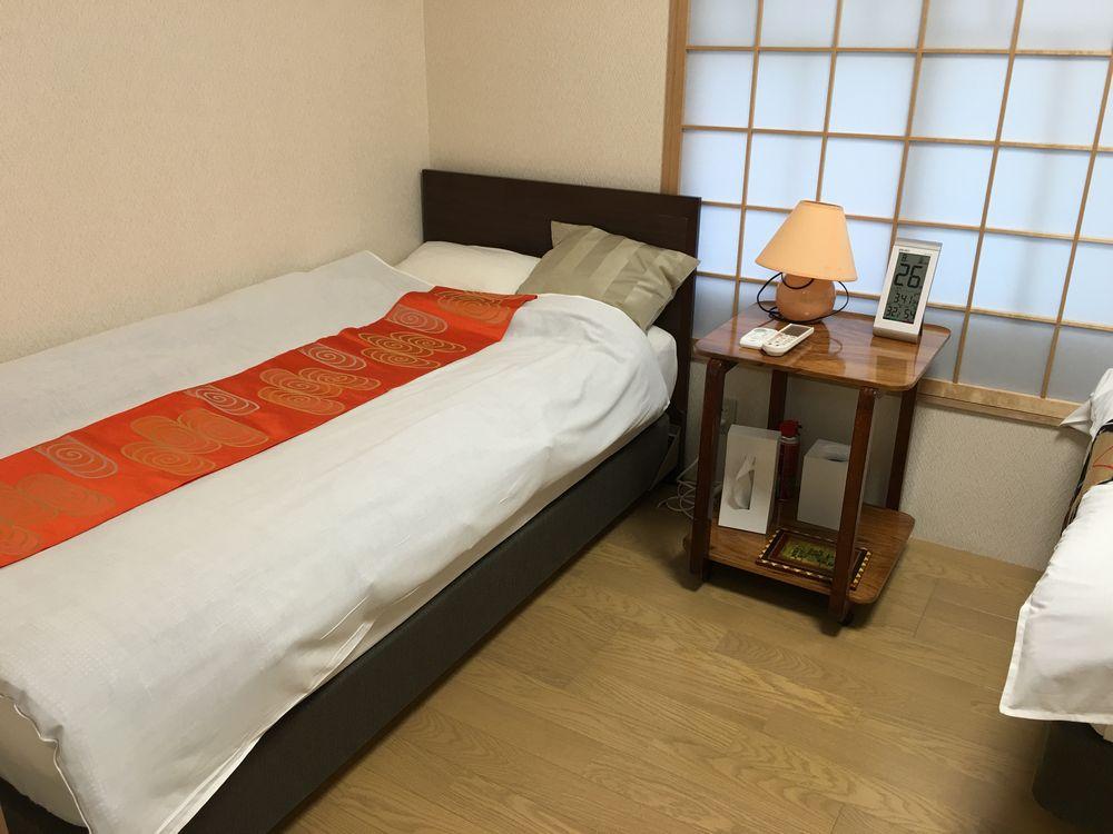 正庵の洋室のベッドルーム1