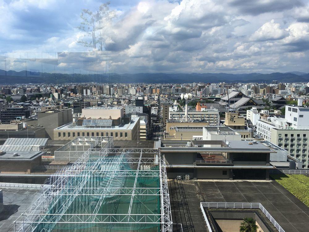 京都駅ビルの屋上からの眺め