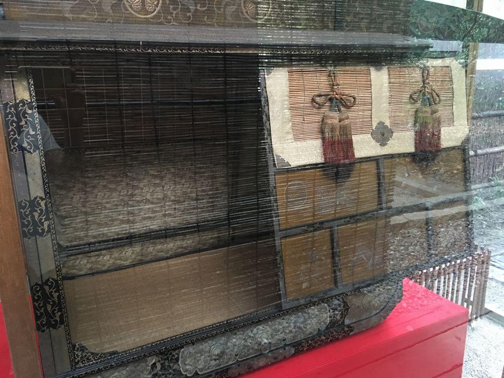 下鴨神社の三つ葉葵紋蒔絵駕籠