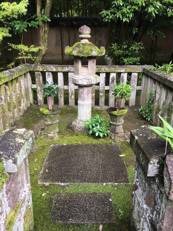 京都の大徳寺の高桐院の細川忠興・ガラシャ夫人のお墓