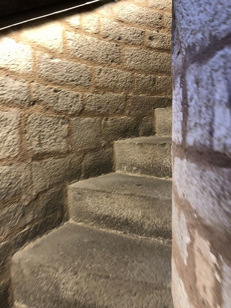 サンタ・マリア・ダル・マル教会の螺旋階段