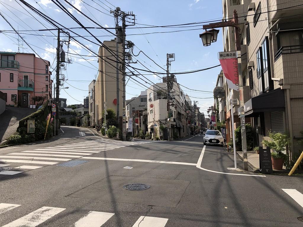 渋谷区神山町の六叉路