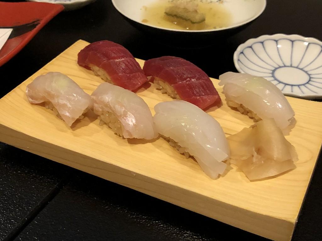 那覇の「かわじ」の鮨