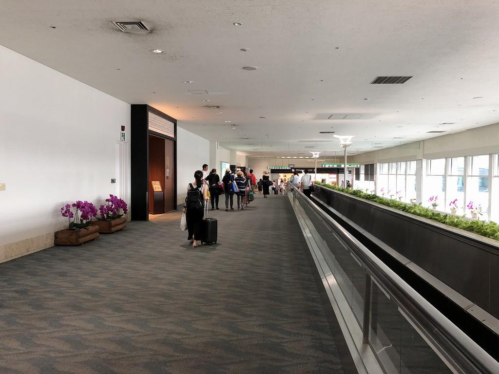 那覇空港の動く歩道