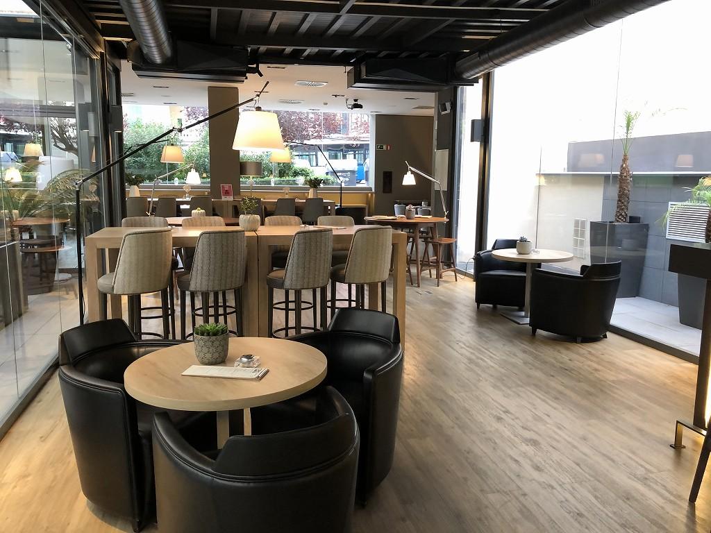 ACホテル・シウタット・デ・パルマの朝食会場3