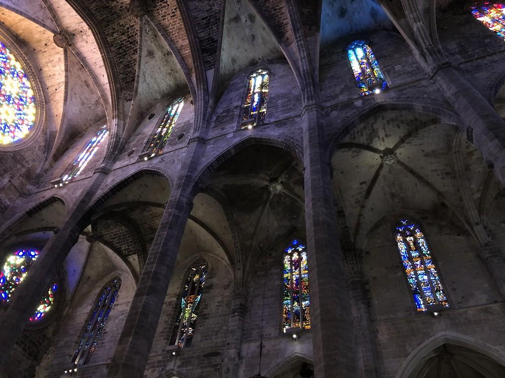 マヨルカ大聖堂のバラ窓からの光3