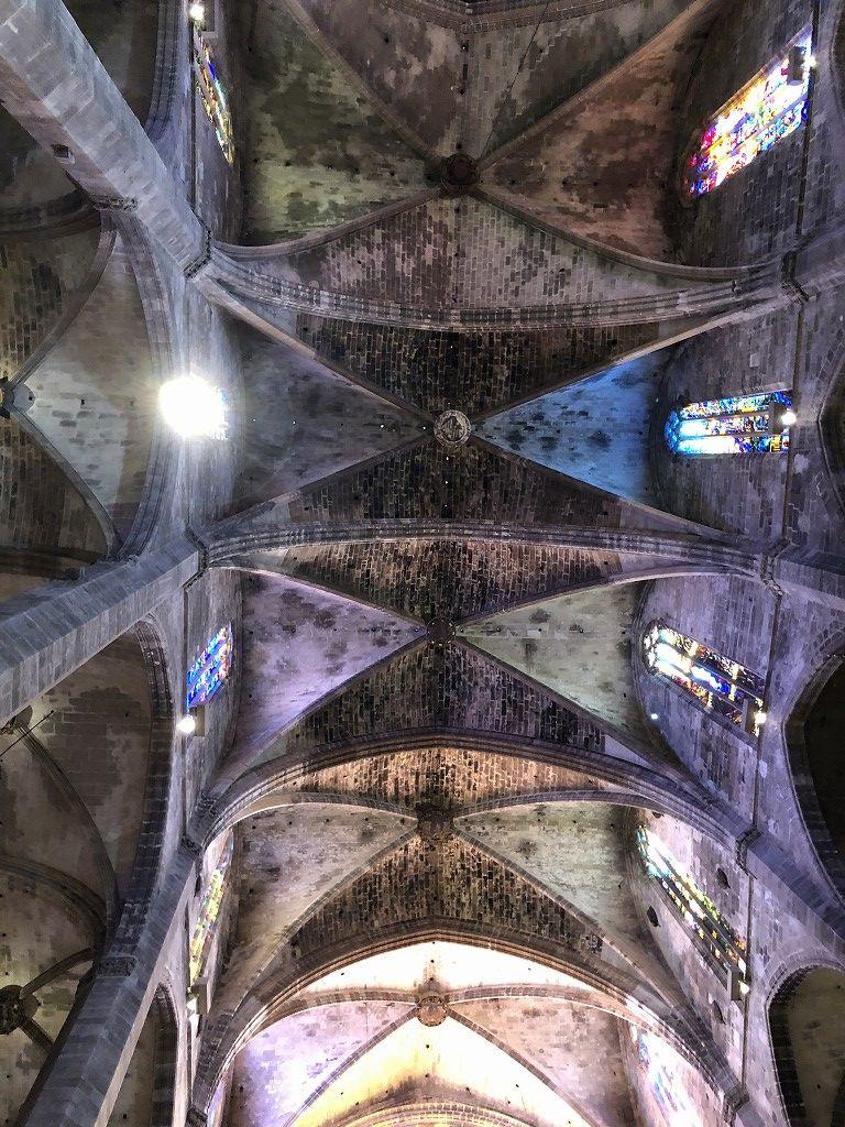 マヨルカ大聖堂の内観2