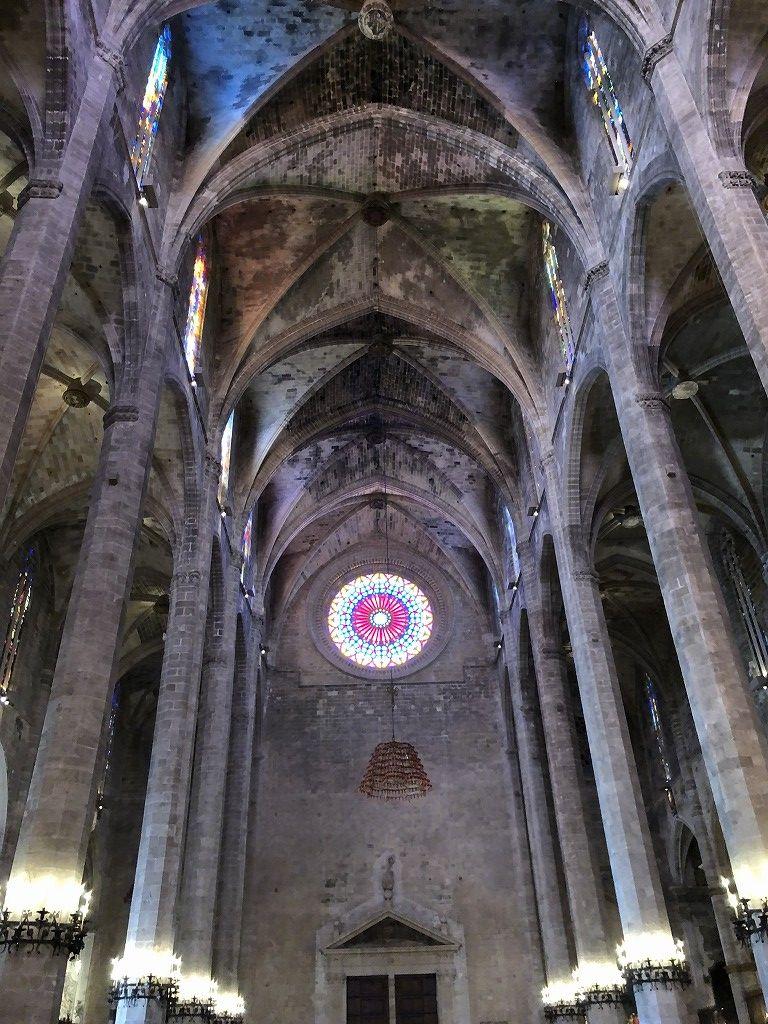 マヨルカ大聖堂の内観1