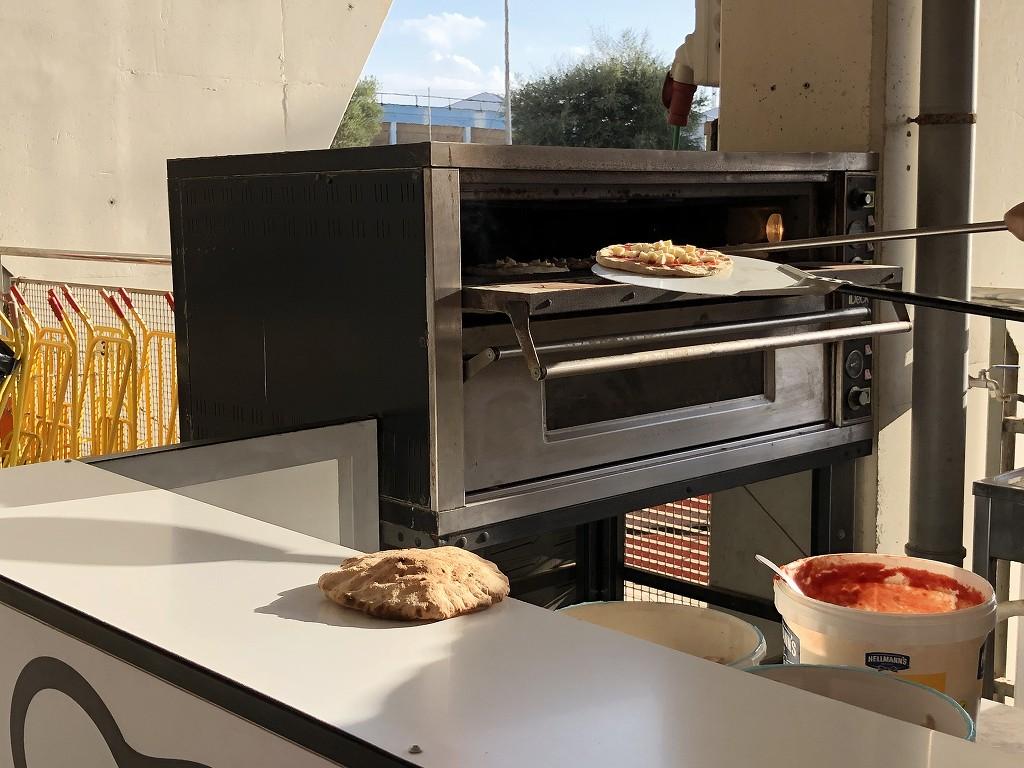 エスタディ・デ・ソン・モイシュのピザ