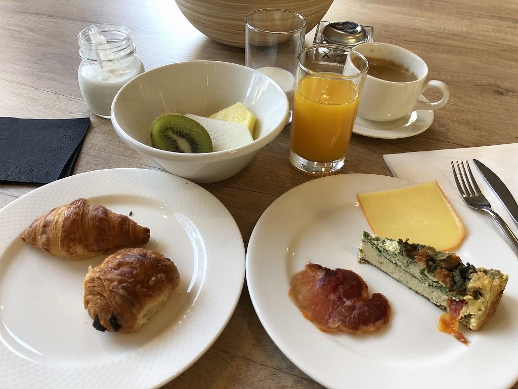 ACホテル・シウタット・デ・パルマの朝食