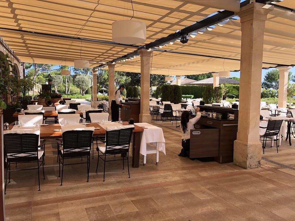 セントレジス・マルダバル・マヨルカリゾートのアクアレストランの内観3