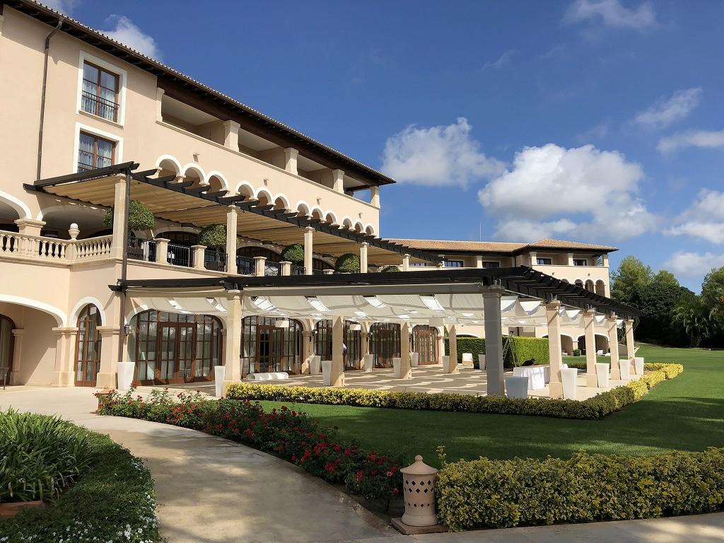 セントレジス・マルダバル・マヨルカリゾートの庭4