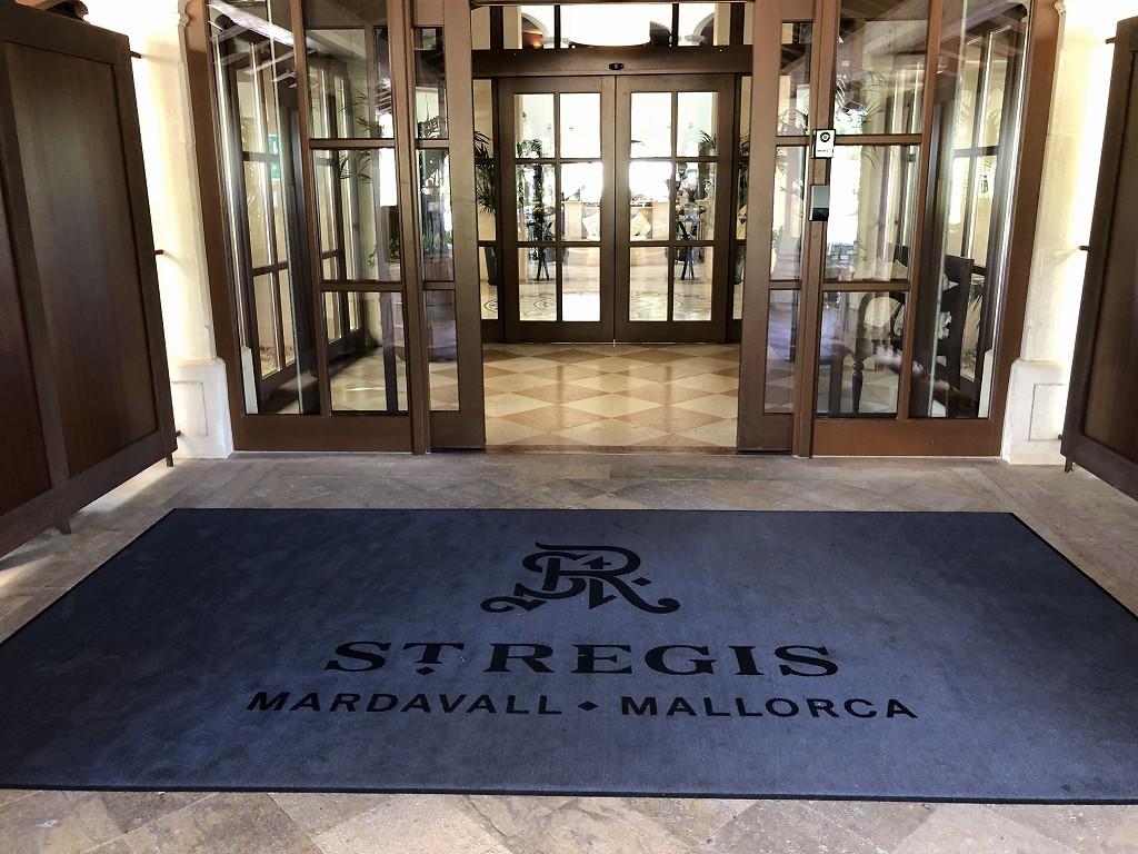 セントレジス・マルダバル・マヨルカリゾートの扉
