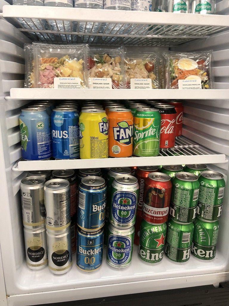 パルマ・デ・マヨルカ空港のSALA VIPラウンジ Formentorのビール
