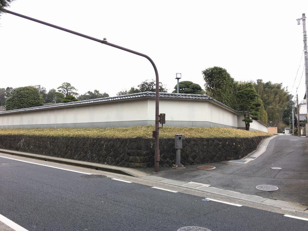 島根県知事公舎の壁