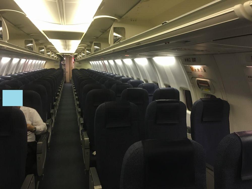 ANA390便の普通席