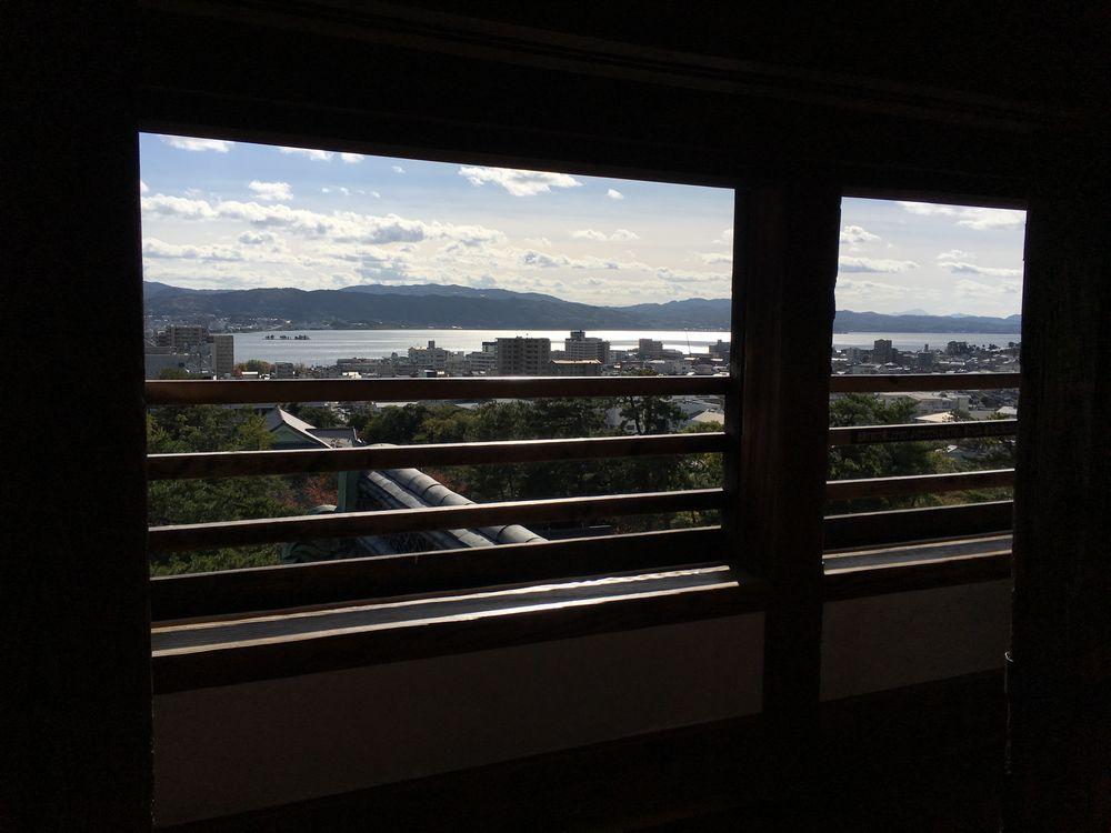 松江城の天守最上層から宍道湖1