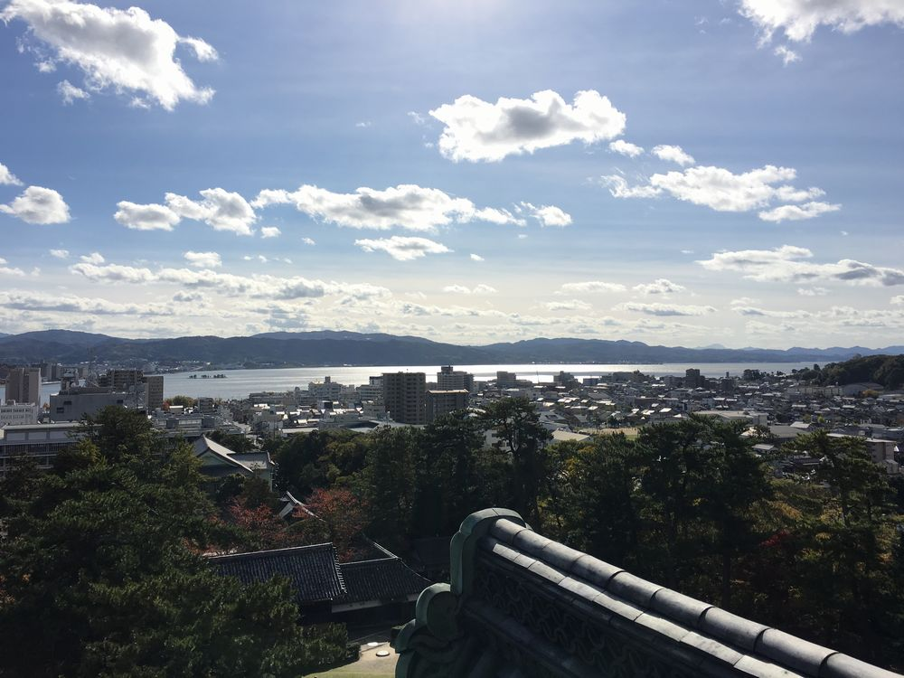 松江城の天守最上層から宍道湖2