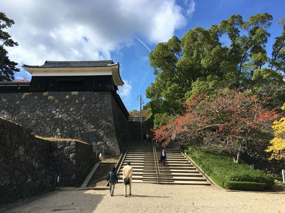 松江城の二の丸へ続く階段