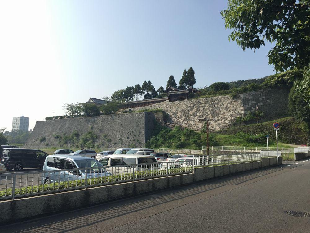 松山城二の丸の石垣