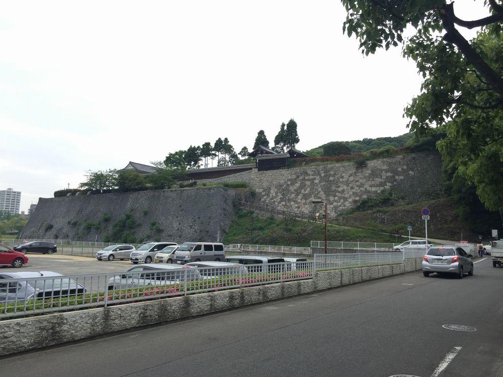 松山城二の丸へ1