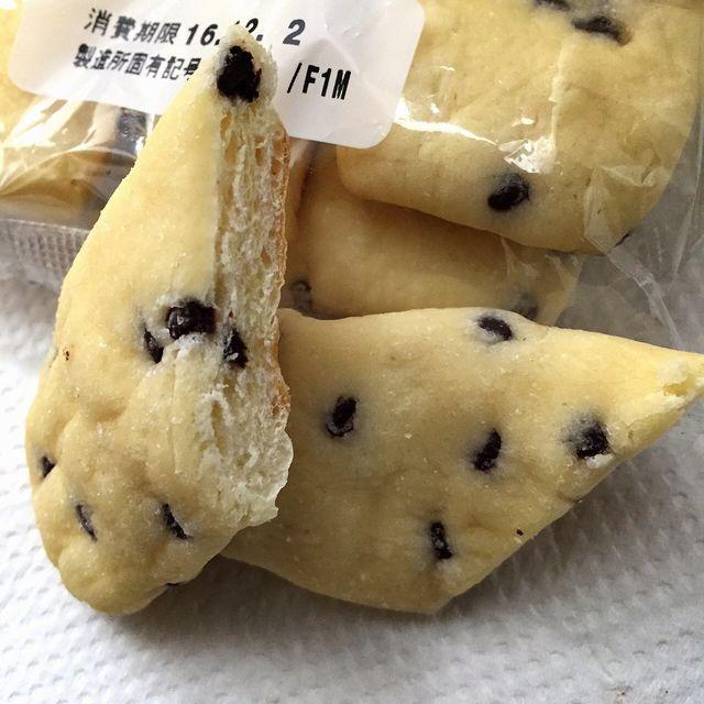 セブンイレブンのバターの香り豊かなスティックメロンパンの断面
