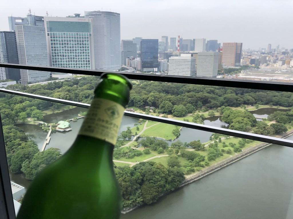 メズム東京のバルコニーでハートランド